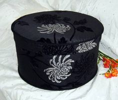 "Hat box ""Charlotte Black"" from Pandora's Boxes."