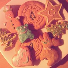 Yummy Merry Christmas cookies made by me :) Gingerbread Cookies, Christmas Cookies, Merry Christmas, Sweets, Kitchen, Desserts, Food, Gingerbread Cupcakes, Xmas Cookies