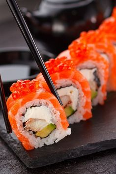 We will break down the basics for sushi, sashimi, nigiri, and maki. The next time you go to your favorite sushi restaurant, you will have all the information you need. Bo Bun, Sushi Love, Good Food, Yummy Food, Homemade Sushi, Sushi Recipes, Food Cravings, Japanese Food, Food Porn