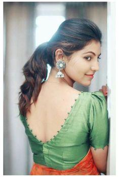 Indian Blouse Designs, New Saree Blouse Designs, Simple Blouse Designs, Stylish Blouse Design, Bridal Blouse Designs, Latest Blouse Designs, Blouse Styles, Neck Designs For Blouse, Saree Blouse Patterns