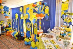 A Huge Minion Despicable Me 5th Birthday Celebration ~ #despicablemeparty #minionpartyideas