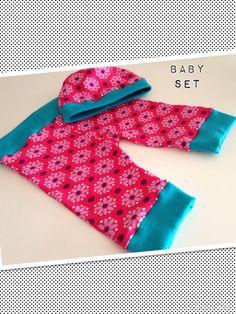 Selbst genäht - Baby New Born Set, nach dem Freebook von Charlotte Wunschkind - siehe hier: http://www.charlotte-wunschkind.com/Free-Book-New-Born-Ruckzuck
