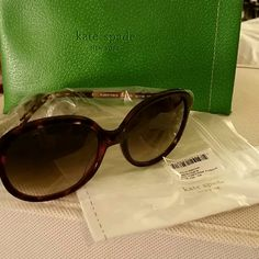 Kate Spade Albertine Round Sunglasses Authentic, Brand New, Never Worn Kate Spade Albertine Round Sunglasses in Tortoise/Fuschia with green leather carrying sleeve (NOT a traditional hard case), dust cloth, and original packaging (plastic bag with tag sticker as shown) These are really cool, you can see the slight Fuschia detail in 2nd picture. Unfortunately they won't work for me. Details as listed in the photos above Please ask me if you have any questions. Will consider reasonable offers…