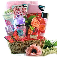 Valentinde's Day 2021 - Gift Basket Ideas What Is Valentines Day, Valentine Gifts, Basket Ideas, Small Gifts, Cute Gifts, Gift Baskets, Business Ideas, Make Your Own, Beautiful Gifts