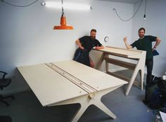 """""""Some Lean and Lift Standing Desk for made by the lovely :) Plywood Desk, Plywood Furniture, Diy Furniture, Furniture Design, Timber Table, Wooden Tables, Cnc Projects, Woodworking Projects, Foldable Table"""
