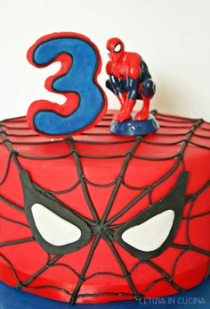 Letizia in Cucina: Torta e Biscotti di Spiderman - Bavarese ai ...