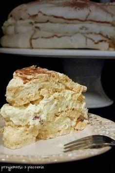 Przyjemność z pieczenia: Torcik bezowy z serkiem mascarpone