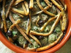 eggplants. caucasus. - I wish this recipe was in English. It looks really good.