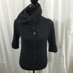 Beautiful knit 3 quater sleeve sweater sz medium Beautiful knit 3 quater sleeve sweater sz medium Twentyone Sweaters