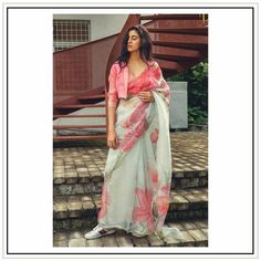 in Issa studio launching Launching Collection 'Varnita'. Stunning olive green color designer saree and blouse with floral print. Saree Wearing Styles, Saree Styles, Stylish Blouse Design, Fancy Blouse Designs, Trendy Sarees, Stylish Sarees, Saree Blouse Patterns, Saree Blouse Designs, New Saree Designs