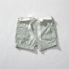 {SOLD OUT} OLIVE'S FRIEND POP: Iris Shorts | STYLE MILK SHOP. Kinzley would be styling in these