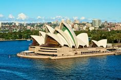 When it comes to finding opportunities to take in breathtaking scenery and astonishing landscapes, it's hard to argue that Sydney is not among one of the most prettiest cities in the world. From the historic landmarks like the Sydney Opera House .