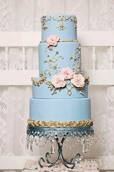 Something Blue Wedding Cake / Blue Chandelier Cake Stand created by Opulent Treasures Beautiful Wedding Cakes, Gorgeous Cakes, Pretty Cakes, Amazing Cakes, Wedding Cakes With Flowers, Fancy Cakes, Mini Cakes, Cupcake Cakes, Salty Cake