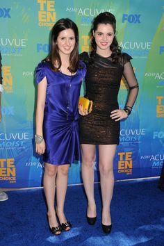 Vanessa Marano from Switched At Birth  and Laura Marano from Austin & Ally - Teen choice awards