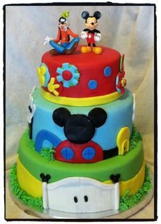 mickey mouse clubhouse cake...this is the one I want for Karli! <3