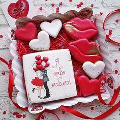 Valentines Baking, Valentines Sweets, Valentines Day Cookies, Valentine Cookies, Fancy Cookies, Cute Cookies, Cupcake Cookies, Sugar Cookies, Chocolate Lollies