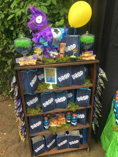 Katrina M's Birthday / Fortnite - Photo Gallery at Catch My Party Birthday Party Snacks, 13th Birthday Parties, Birthday Games, 12th Birthday, Birthday Party Decorations, Food Decorations, Party Favors, Birthday Crafts, Birthday Ideas