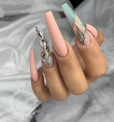 New stylish nail art ideas every day Glam Nails, Dope Nails, Fancy Nails, Bling Nails, Summer Acrylic Nails, Best Acrylic Nails, Cute Acrylic Nail Designs, Luxury Nails, Stylish Nails