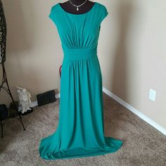 Sangria Formal Gown Size 12 Gorgeous just gorgeous Gown for any occasion Prom, wedding or formal event Sangria Dresses Prom