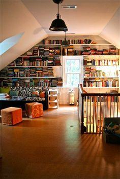 un placard coloré pour la chambre sous pente Bookshelf Design, Bookshelves, Ikea Wall Decor, Thinking Outside The Box, Attic, Living Area, Architecture Design, Photo Wall, Inspiration