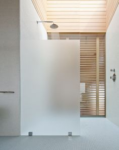 Island House / Peter Rose + Partners - frosted glass fixed pane shower wall Island House, House Bathroom, Bathroom Shower Walls, Home, Half Walls, Glass Bathroom, Bathroom Shower Enclosures, Glass Shower Wall, Bathroom Shower Panels