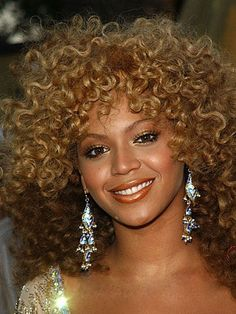 Curly Wigs, Long Curly Hair, Human Hair Wigs, Curly Hair Styles, Natural Hair Styles, Curly Bob, Afro Wigs, Short Wavy, Beyonce Wig