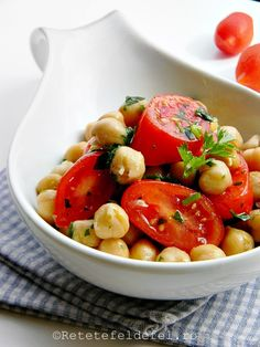 salata de naut cu rosii Vegan Recipes, Vegan Food, Foodies, Meals, Vegetables, Healthy, Veggie Food, Meal, Vegane Rezepte
