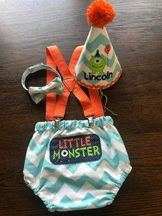 birthday outfit Little monster cake smash outfit! His diaper cover is lined with double the fabric for extra durability, roomy elastic leg holes and at the waist. On the butt is embro Little Monster Birthday, Monster 1st Birthdays, Monster Birthday Parties, Birthday Party Outfits, First Birthday Parties, First Birthdays, Monster Party, Monster High, Birthday Themes For Boys