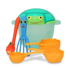 Melissa & Doug Toys seaside sand baking set. Love this!