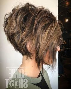 40 Stunning Bob Haircuts, Nowadays Bob haircut ideas do not go out of trends Explore photos of the sexiest, classiest, and coolest bobs today…, Short Haircuts - Medium Style Haircuts Wavy Pixie Haircut, Short Messy Haircuts, Messy Bob Hairstyles, Short Wavy Hair, Pixie Haircuts, Haircut Short, Bandana Hairstyles, Bobs For Thick Hair, Swing Bob Haircut
