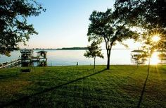 Beautiful Sunsets, Huge Back Yard w/Fire Pit and Large Swimming Area - New Rates