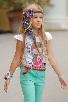 Desfile Bóboli en #Pasarela080 Barcelona Little Girl Models, My Little Girl, Child Models, Little Girl Fashion, Teen Fashion, Love Fashion, Cute Girl Dresses, Little Girl Dresses, Kids Outfits Girls