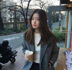 "Matched up × Park Jihoon✔ - ""So I& just venting you sis? How sad is my life! KEEP K … fans # Fan fiction # amr - Korean Haircut Long, Korean Long Hair, Korean Hairstyle Long, Korean Hairstyles Women, Cute Korean Girl, Asian Girl, Medium Hair Styles, Short Hair Styles, Ulzzang Hair"