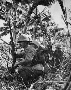 Soldiers of the 5th Sasebo Special Naval Landing Force during the Invasion of Buna–Gona or Operation RI. New Guinea July 1942. - Pin it by Gustavo Bueso-Jacquier