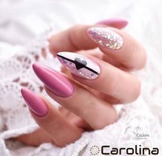 What Christmas manicure to choose for a festive mood - My Nails Nail Art Saint-valentin, Acrylic Nail Art, Acrylic Nail Designs, Manicure Rose, Cute Nails, Pretty Nails, Valentine's Day Nail Designs, Gel Nails At Home, Wedding Nails Design