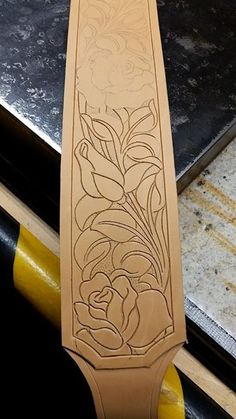 Leather Carving, Leather Art, Sewing Leather, Leather Pattern, Leather Design, Leather Belts, Leather Tooling, Diy Leather Projects, Leather Craft Tools