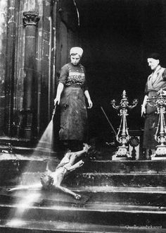 Walter Martin, Two women hose down a crucifix, Undated.