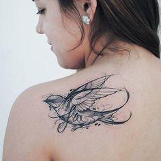 #backtattoo by @rockin.rabbit /// #⃣#Equilattera #Tattoo #Tattoos #Tat #bird
