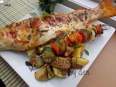 Recept Zlatý pstruh na bylinkách se zeleninovými špízy - Naše Dobroty na každý den