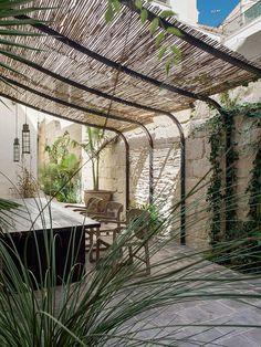 KiM Barcelona, Architecture Old, Menorca, Outdoor Rooms, Design Firms, Bauhaus, The Great Outdoors, Bella, Pergola