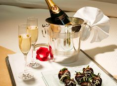 Reserve a Valentine's Day overnight stay on peninsula.com and receive a complimentary upgrade.* Pamper your sweetheart by personalizing your stay with chocolate-dipped strawberries, romantic rose petals or Champagne, available for a small supplement when reserving your room or suite. *Terms and conditions apply.