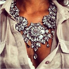 Excessively awesome bling with beige.Now this is a statement necklace! Pastel Outfit, Crystal Statement Necklace, Statement Jewelry, Statement Necklace Outfit, Bold Necklace, White Necklace, Necklace Ideas, Collar Necklace, Pendant Necklace