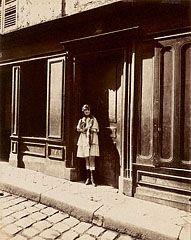 Brothel, Versailles, Petit Place, March 1921, Eugène Atget, March 1921