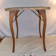 Curved Leg Card Table (Narnia space 1)