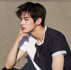 Cha Eunwoo from Astro Hot Korean Guys, Korean Boy, Cute Korean, Kim Woo Bin, Handsome Korean Actors, Handsome Boys, K Pop, Yang Yang Actor, Park Jin Woo