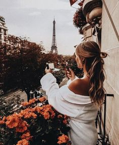 Perfect morning in Paris, France. Oh The Places You'll Go, Places To Travel, Travel Destinations, Travel Pictures, Travel Photos, Paris Pictures, Paris 3, Girls In Paris, Paris Style