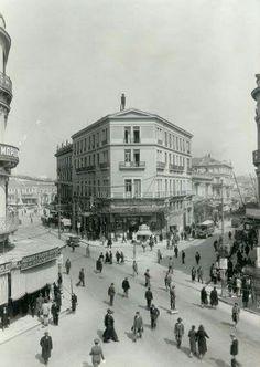 1936 ~ Eolou & Stadiou street, Athens Greece Pictures, Time Pictures, Old Pictures, Old Photos, Vintage Photos, Athens Hotel, Athens Greece, Athens History, Old Greek