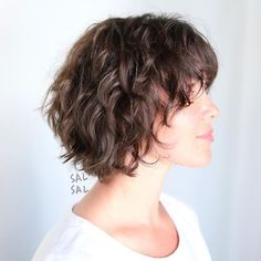 Layered Messy Bob For Wavy Hair hair 60 Short Shag Hairstyles That You Simply Can't Miss Short Shag Hairstyles, Shaggy Haircuts, Haircuts For Curly Hair, Curly Hair Cuts, Hairstyles Haircuts, Curly Hair Styles, Wedding Hairstyles, Medium Hairstyles, Braided Hairstyles