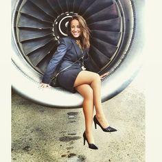 Gorgeous @emilysnellgrove ❤️❤️ #femalepilot #pilot #pilotsofinstagram #pilotlife #pilots #aircraft #crew #crewlife #captain #firstofficer… Flight Attendant Hot, Flight Girls, Airline Uniforms, Female Pilot, Pantyhose Legs, Nice Legs, Sexy Stockings, Models, Sexy Legs