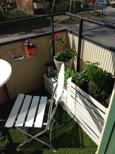 Nice balcony solution.